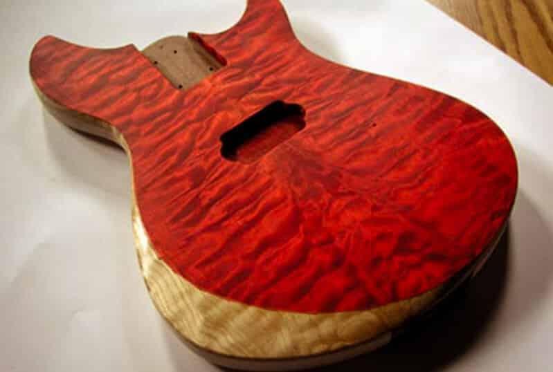 Trabajo de pintura en guitarra -Tarifas luthier y precios