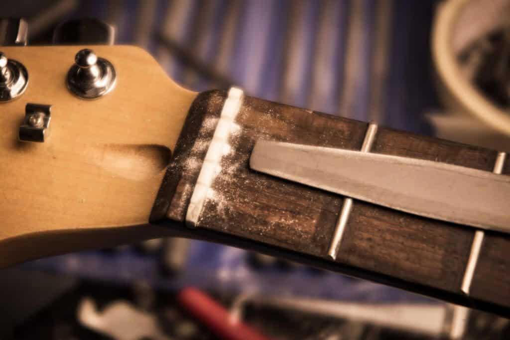 Cejuelas de hueso y sinteticas para guitarras o bajos